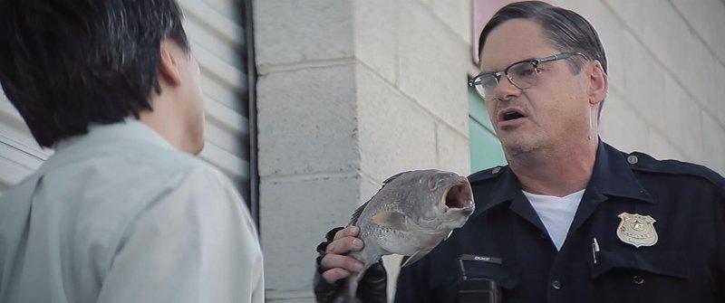 Officer Duke (Mark Burnham, r.) – Bild: Tiberius