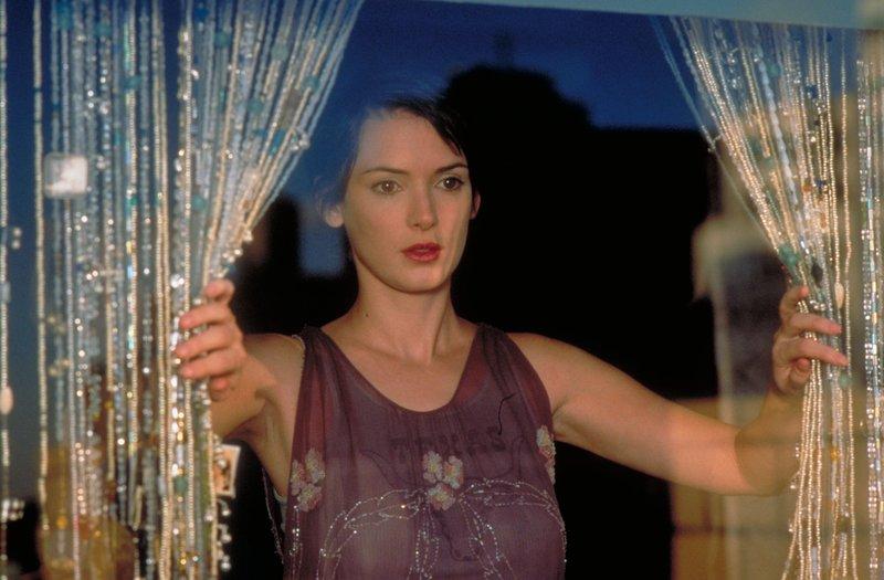Charlotte (Winona Ryder) leidet an einer seltenen Herzkrankheit - sie hat nicht mehr viel Zeit! – Bild: Turner / COURTESY OF MGM