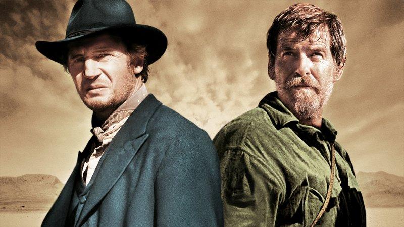 L-R: Liam Neeson as Carver, Pierce Brosnan as Gideon. – Bild: AXN