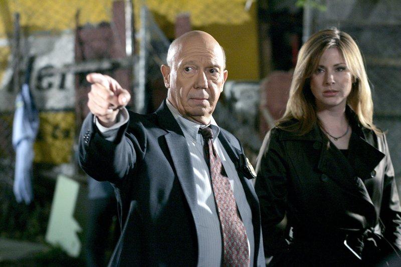 Vergeltung (Staffel 9, Folge 19) – Bild: TF1