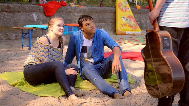 L-R: Greta (Chiara Tews), Rocco (Malcom Meckert) – Bild: Nickelodeon
