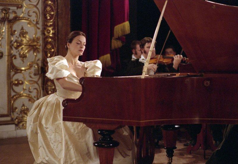 Die talentierte Pianistin Clara Schumann (Martina Gedeck). – Bild: BR/ARD Degeto
