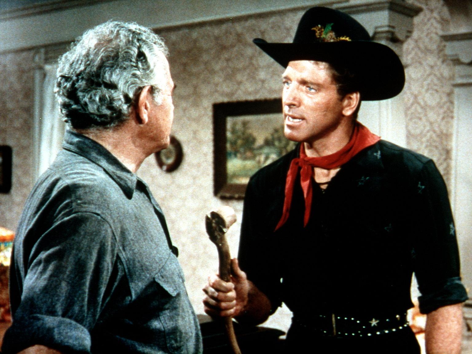 H.C. Curry (Cameron Prud'Homme, l.) ist beeindruckt, als Billy Starbuck (Burt Lancaster, r.) ihm verspricht, es innerhalb der nächsten 24 Stunden Regnen zu lassen… – Bild: 1967, renewed 1995 Pax Enterprises, Inc. All Rights Reserved. Lizenzbild frei