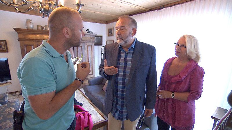 Alex Henke,li. Grosseltern Dieter,Mi. und Hella,re. (von Elena) – Bild: RTL II