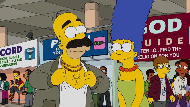 """""""Die Simpsons"""", """"Conrad."""" Homer kommt teuer zu stehen, dass er Firmeninterna öffentlich macht. Als er zahlreiche Fotos von seiner Arbeitsstelle in den sozialen Netzwerken postet, wird Homer fristlos entlassen und muss wieder von ganz unten anfangen. Er wird Tellerwäscher in einem griechischen Restaurant - für Homer der tollste Job auf Erden! Inspiriert vom Schicksal ihres Vaters entwickelt Lisa eine App, die vorhersagen soll, wie sich das Postingverhalten auf die eigene Lebensrealität auswirkt. – Bild: ORF eins"""