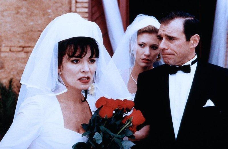 Iris Berben, Sergi Mateu – Bild: Copyright © 1990–2016 IMDb.com, Inc.