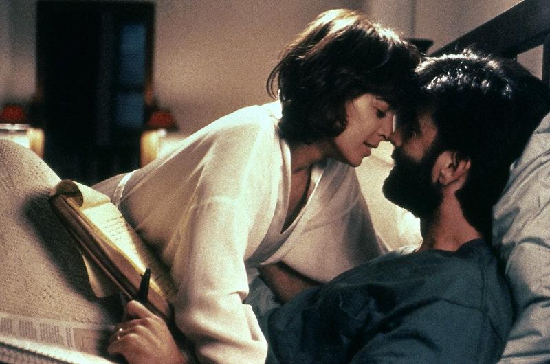 Noch sind Claire (Annabella Sciorra) und Michael (Matt McCoy) glücklich. – Bild: ZDF und ZDF