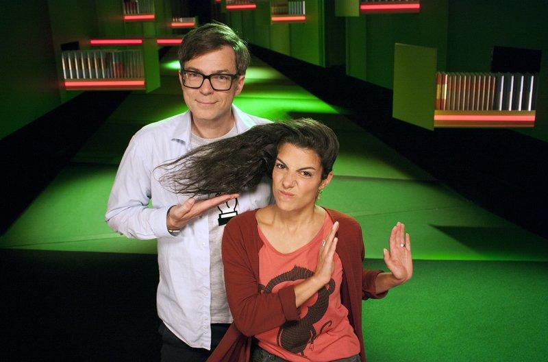 """Clarissa und Ralph beschäftigen sich heute mit dem Thema """"Wissen ist nicht doof"""" – Bild: WDR/Thorsten Schneider"""