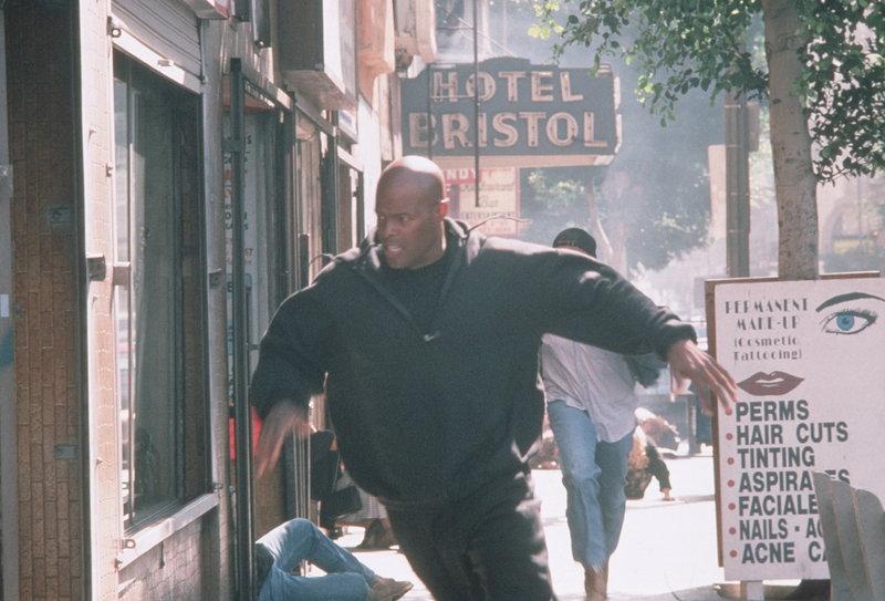 Auf seinen Kopf sind 10 Millionen Dollar ausgesetzt: James Dunn (Keenen Ivory Wayans) ... – Bild: New Line Cinema Lizenzbild frei