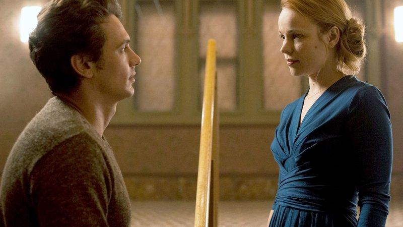 Tomas (James Franco) trennt sich von seiner Freundin Sara (Rachel McAdams). – Bild: ZDF/Donata Wenders