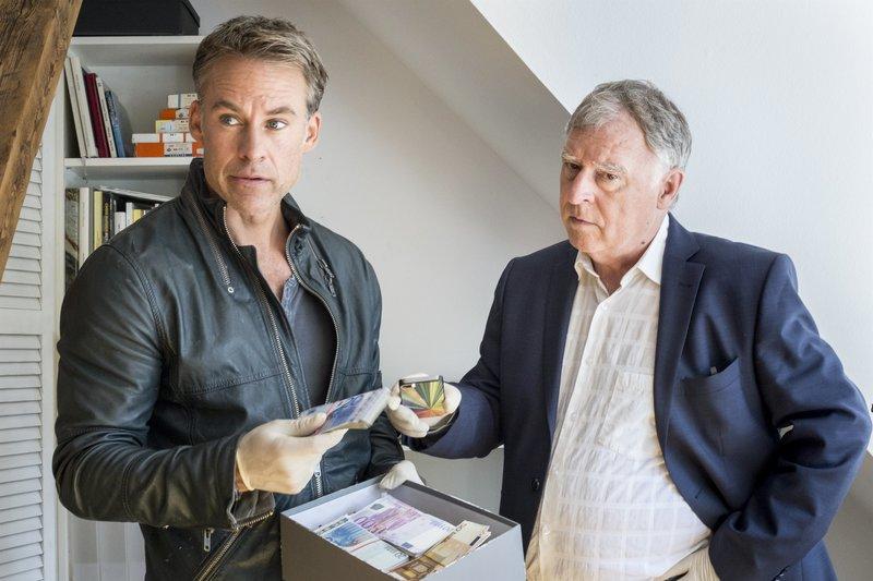 Jan Maybach (Marco Girnth), Hajo Trautzschke (Andreas Schmidt-Schaller). – Bild: ZDF und Friederike Heß