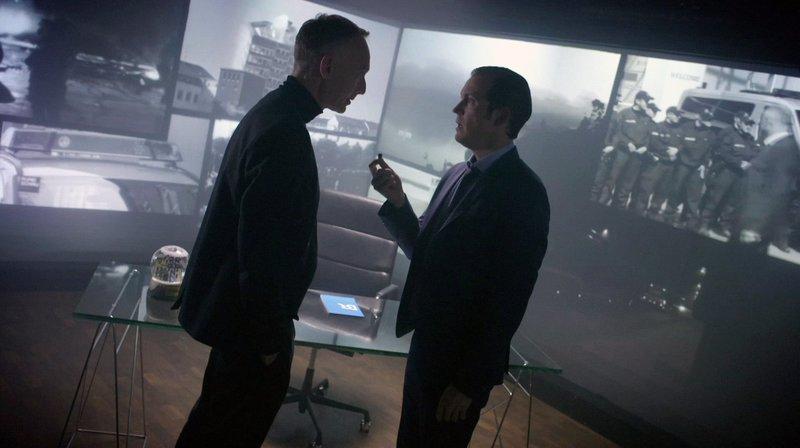 Von links: Christoph Süß (Christoph Süss) und Sonderermittler (Stefan Murr). – Bild: BR/Constantin Television GmbH