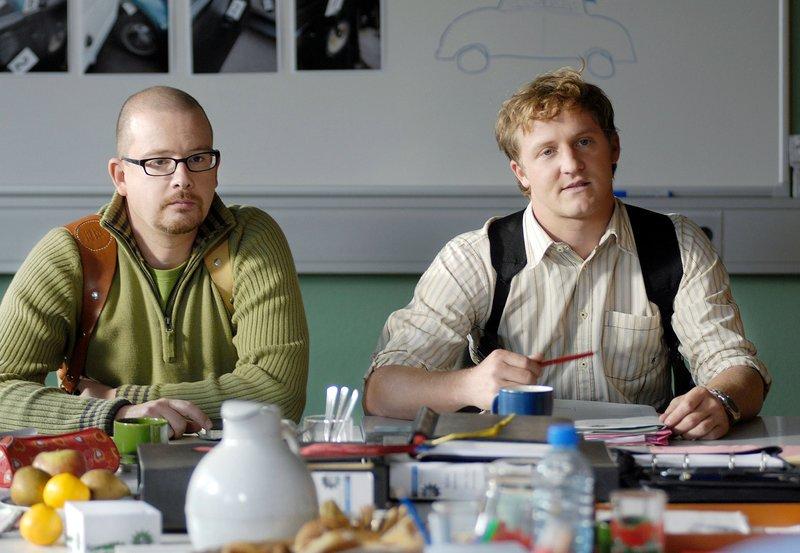 Zwei Typen, ein Team: die Saarbrücker Tatort-Kommissare Franz Kappl (Maximilian Brückner) und Stefan Deininger (Gregor Weber, links). – Bild: SR/SR/Manuela Meyer