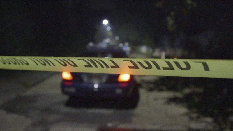 Police at the crime scene – Bild: Crime + Investigation