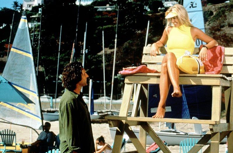 Donovan (Peter Lucas) macht Neely (Gena Lee Nolin) den Hof - mit welcher Absicht? – Bild: Nitro.