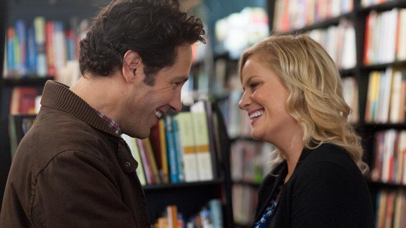 Joel (Paul Rudd) und Molly (Amy Poehler) verlieben sich ineinander.. – Bild: RTL II