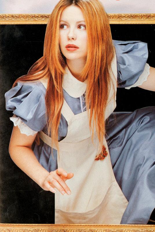 Alice (Kate Beckinsale) – Bild: Disney Channel