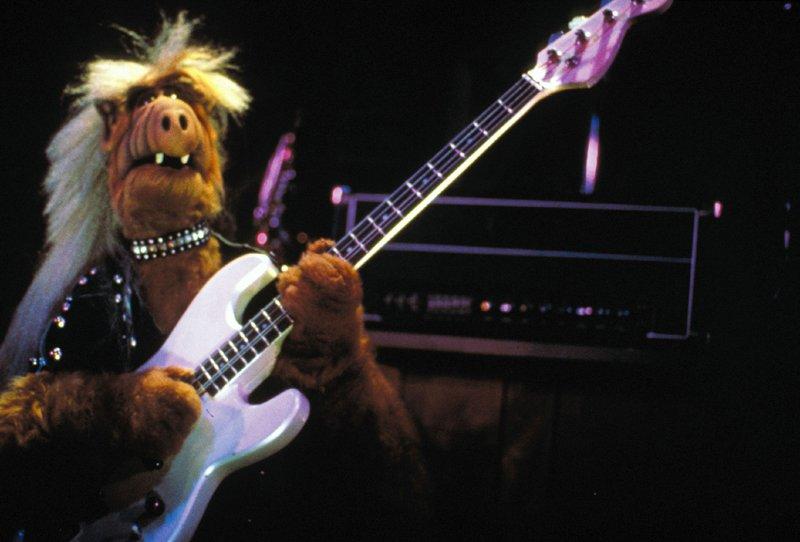 Alf hat eine ziemlich genaue Vorstellung davon, den grauen Alltag der Familie Tanner ordentlich aufzumischen. – Bild: Super RTL