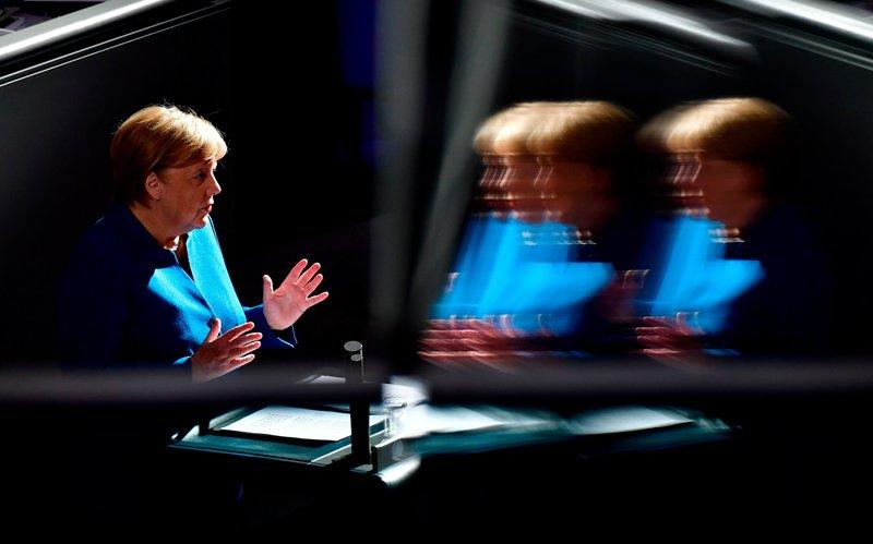Kühle Strategin, machtbewusste Politikerin: Angela Merkel. – Bild: ZDF und TOBIAS SCHWARZ.