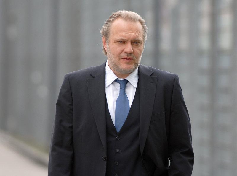 Jan-Gregor Kremp (Hauptkommissar Richard Voss). – Bild: ORF 2