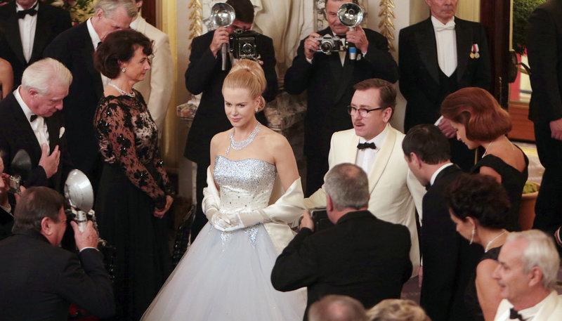 Sechs Jahre ist es her, seit aus der ehemaligen Hollywood-Diva Grace Kelly (Nicole Kidman) Gracia Patricia wurde, die glamouröse Ehegattin von Fürst Rainier III. (Tim Roth). – Bild: ARD Degeto/BR/Square One/Universum
