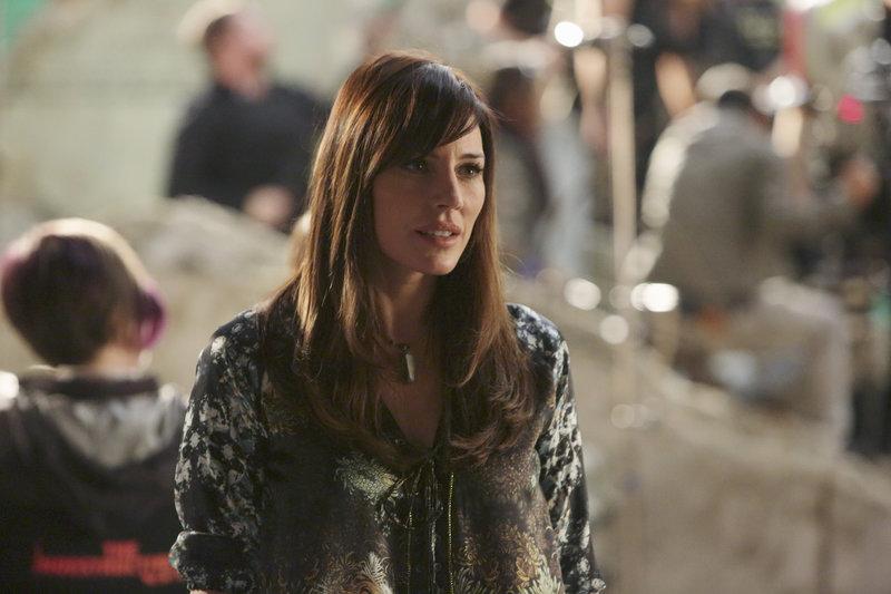 Castle und Beckett ermitteln in einem neuen Mordfall und stoßen dabei auf Naomi Duvray (Krista Allen). Doch hat sie etwas damit zu tun? – Bild: Sat.1