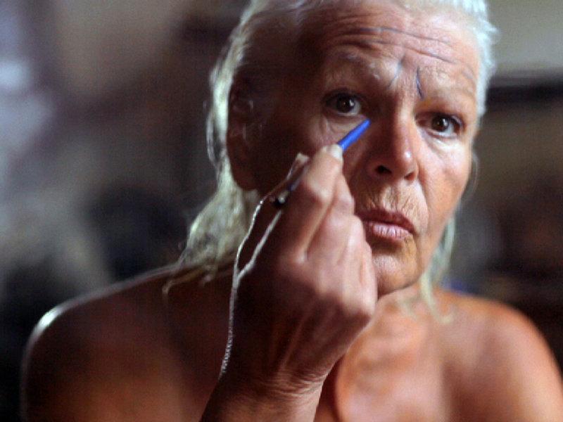 Mit über 70 Jahren setzte sich der renommierte Videokünstler Stephen Dwoskin in einem letzten Film mit einer wichtigen Lebensphase auseinander, dem hohen Alter. – Bild: ARTE France