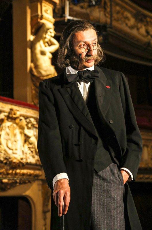 Am 20. Juni 1819 wurde Jacques Offenbach (Robert Hatisi) als Jakob Offenbach in Köln geboren. – Bild: arte