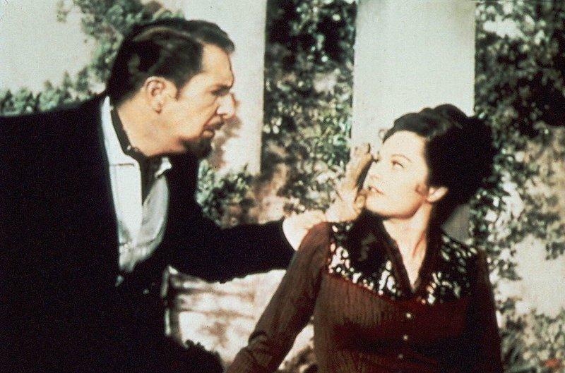 """""""Rappaccini's Daughter"""": Dr. Rappaccini hat seiner Tochter Beatrice ein Serum injeziert; doch dieses Serum hat fatale Folgen... – Bild: Family TV"""