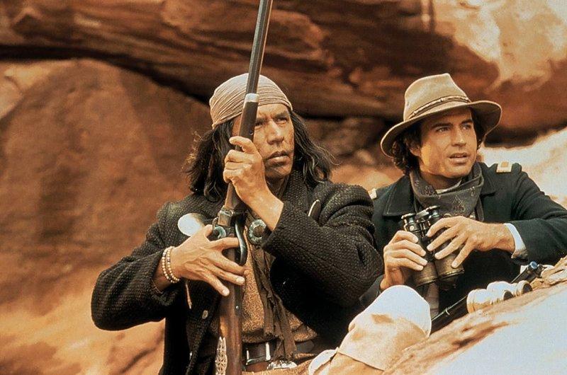 Apachenhaeuptling Geronimo und Kavallerie-Leutnant Charles – Bild: Servus TV