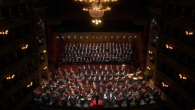 """Dirigent Daniel Barenboim und das Orchester der Mailänder Scala interpretieren Verdis """"Messa da Requiem"""". – Bild: ARTE France / © Camera Lucida Productions"""