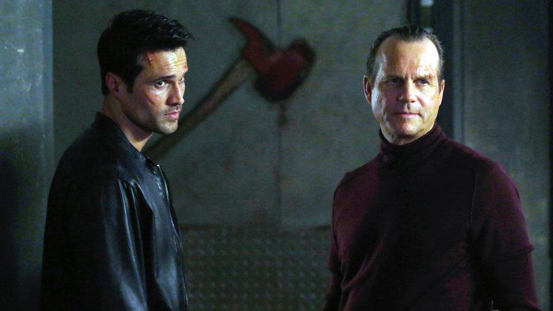 Ward (Brett Dalton, li.) und Garrett (Bill Paxton) – Bild: RTL II
