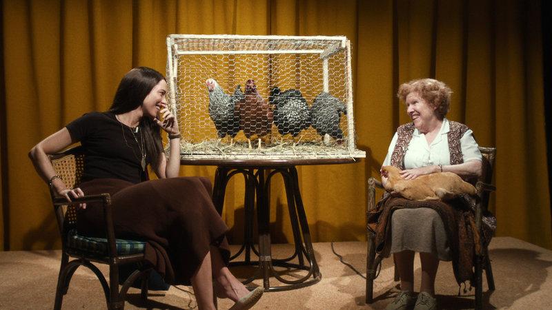 Christine Rebecca Hall als Christine, Theresa O'Shea als Miss Maisie SRF/Universal Pictures – Bild: SRF1
