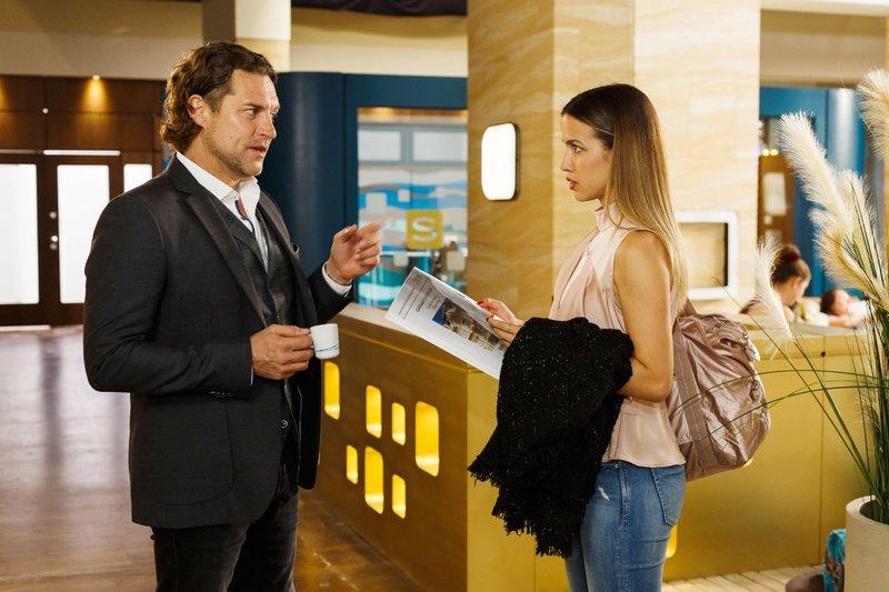 Niclas (Ron Holzschuh) plant seine Zukunft in Essen und bemüht sich um sein Verhältnis mit Chiara (Alexandra Fonsatti), doch die kann Niclas' Begeisterung nicht teilen. – Bild: TVNOW / Kai Schulz