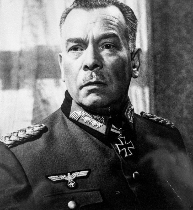 Ewald Balser (General). – Bild: ORF