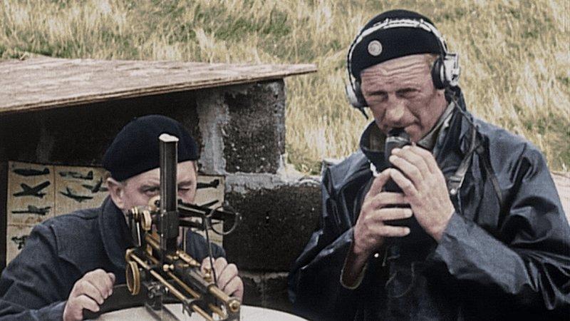 Mitglieder des Observer Corps. – Bild: ORF