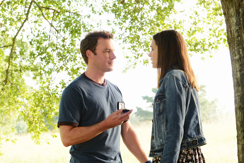 Pastor Tom Hale (Mark Hildreth), Rachael Braidwood (Kathleen Munroe) – Bild: TVNOW / ABC Studios