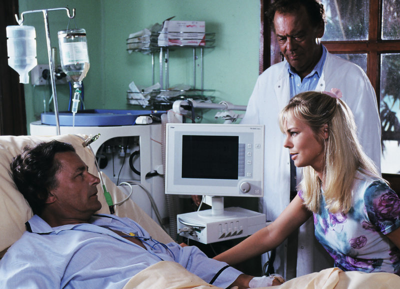 Klinik unter Palmen Gebrochene Herzen Folge 16 – Bild: SRF1