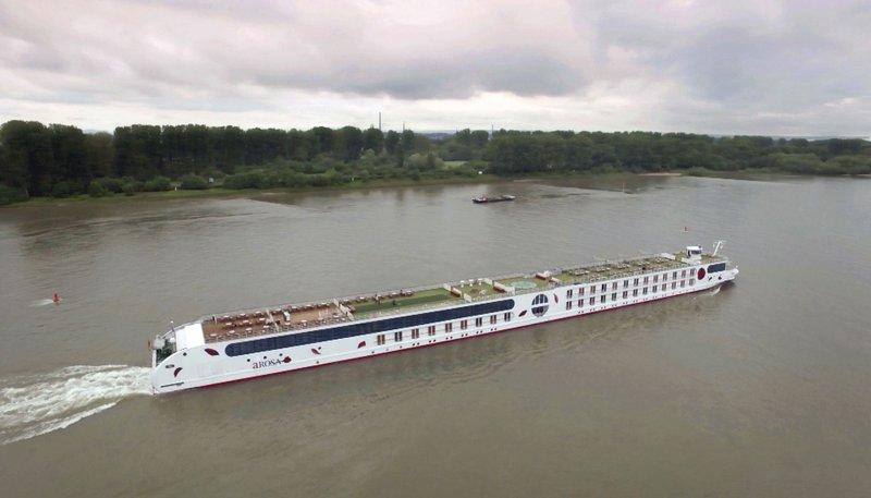 Auch eine Quartettkarte - die Arosa Brava, ein Flusskreuzfahrtschiff. – Bild: NDR/cineteam