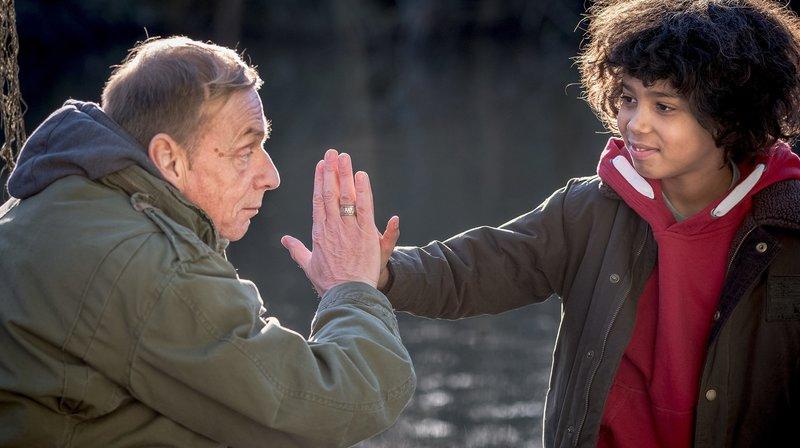 Opa Reiko und Femi schließen einen Pakt – Bild: NDR/Boris Laewen