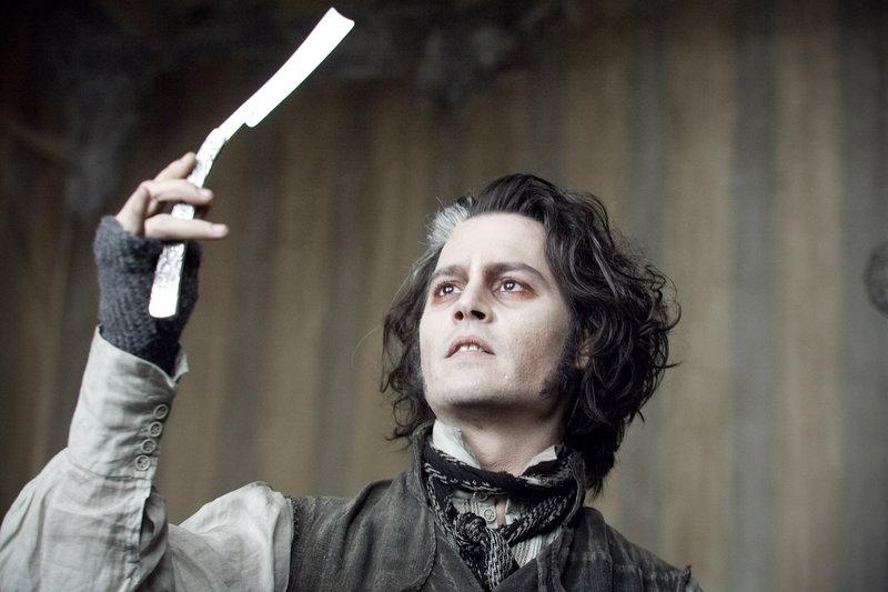 Als der Barbier Sweeney Todd (Johnny Depp) unschuldig ins Gefängnis geworfen wird, schwört er Rache. Aus dem Knast zurückgekehrt, arbeitet wieder als Frisör - und rasiert den Gentlemen die Köpfe derart gründlich, dass diese daraufhin spurlos verschwinden ... – Bild: Warner Bros. Lizenzbild frei