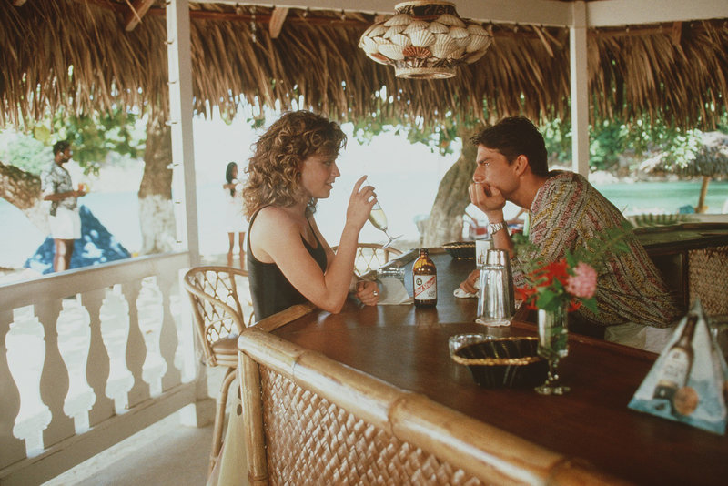 5. Brians (Tom Cruise) neuer Job auf Jamaica bietet alles, was er braucht: Gute Bezahlung, Sonne, viel Freizeit und noch mehr schöne Frauen. Eine von ihnen ist Jordan (Elisabeth Shue). – Bild: ZDF und Touchstone Pictures