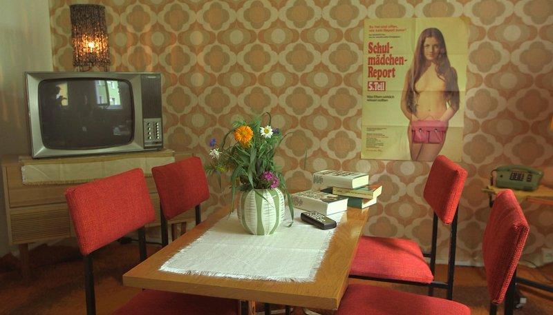 Wohnung der 70er Jahre – Bild: PHOENIX/ZDF/René Gorski/studio.tv