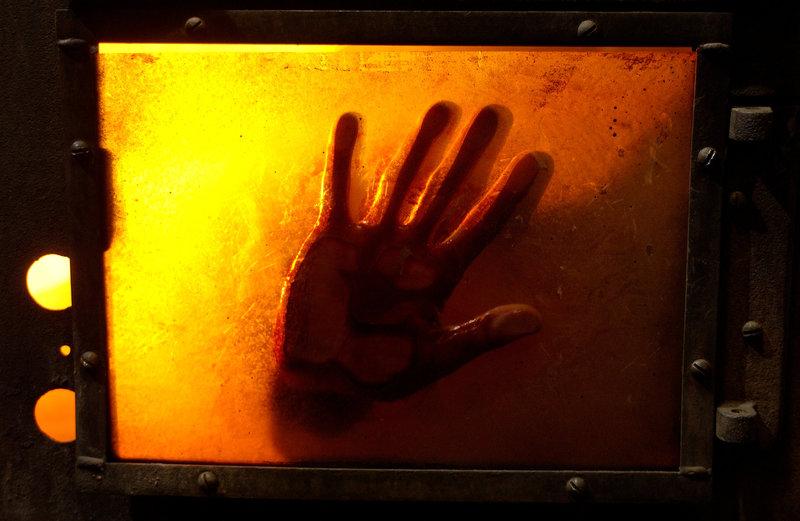 """Der psychopathische """"Jigsaw"""" hält seine Opfer gefangen. Vor seinen grausamen Spielchen gibt es kein Entrinnen. – Bild: ZDF/%s Honorarfrei - mit Klärung der Persönlichkeitsrechte"""