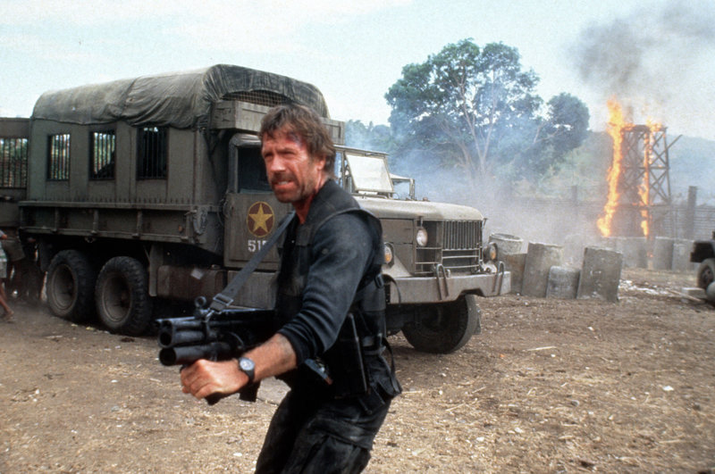 Im Bild: James Braddock (Chuck Norris) – Bild: TL5