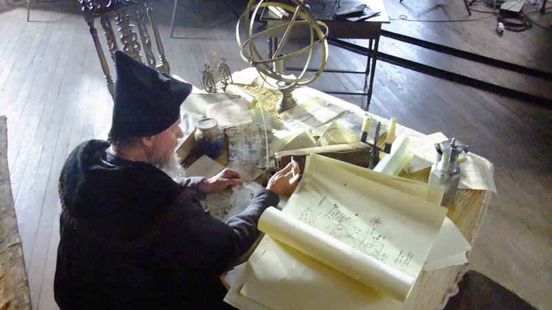 Schon zu Lebzeiten verdiente Nostradamus sein Geld mit astrologischen Ratschlägen und Vorhersagen, doch bis heute hält eines seiner Werke die Welt in Atem ... – Bild: Parthenon Entertainment Limited Lizenzbild frei