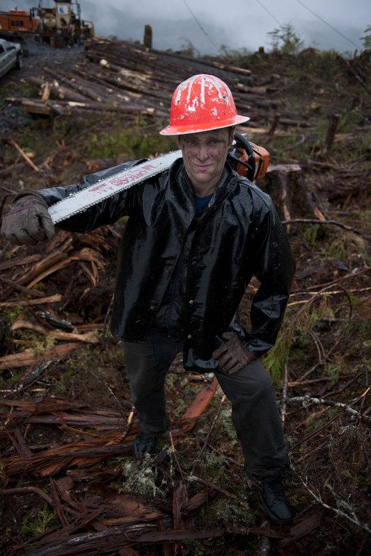 Es ist wohl der härteste Job der USA - Holzfäller im Pazifischen Nordwesten Amerikas. Bei der Arbeit mit Sägen, Äxten und schweren High Tech Maschinen ist Kraft, Ausdauer und Geschick gefragt und das bei jeder Witterung ... – Bild: 2011 A+E Networks Lizenzbild frei