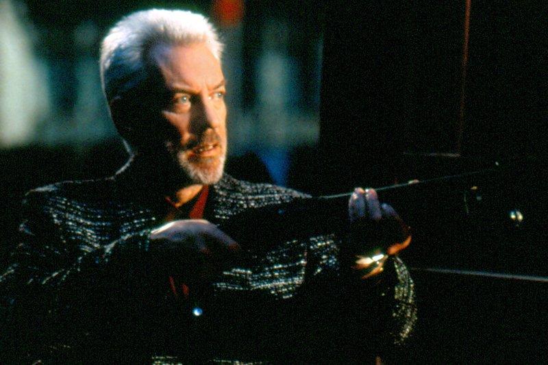 Der Killer Garrett (Donald Sutherland) will sich an seinem ehemaligen Boss rächen. – Bild: ARD Degeto