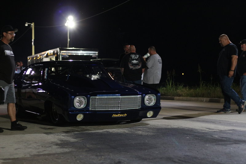 Doc pulls his car up to the start line to begin his race against Murder Nova. – Bild: Discovery Channel