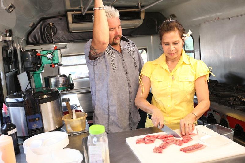 Es gibt Krabben auf Hawaii (Staffel 15, Folge 7) – Bild: 2012, Television Food Network, G.P. All Rights Reserved. Lizenzbild frei